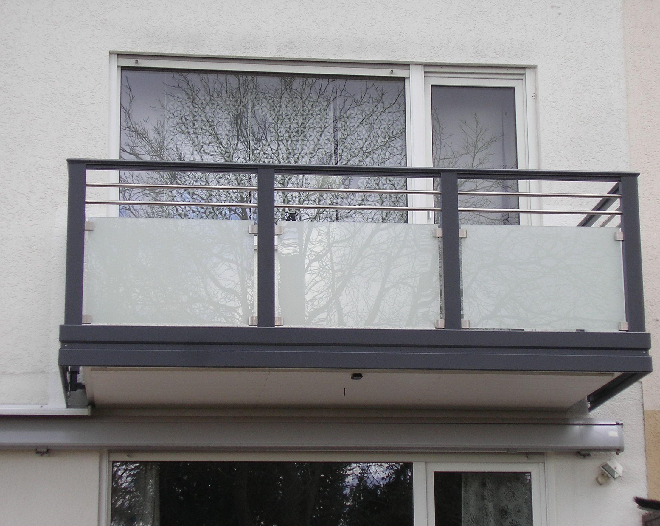 Balkonverkleidung Aus Bruchfestem Polycarbonat In Uv Und
