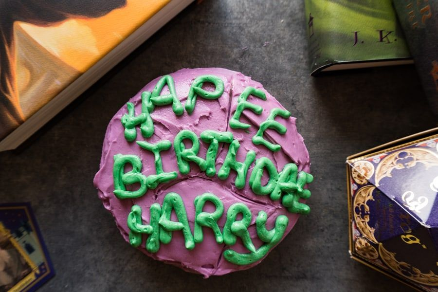 This Harry Potter Cake Is To Celebrate Harry Potter S Birthday Hagrid S Baking Skills Leave Much To Be Desir Harry Potter Birthday Cake Cake Harry Potter Cake