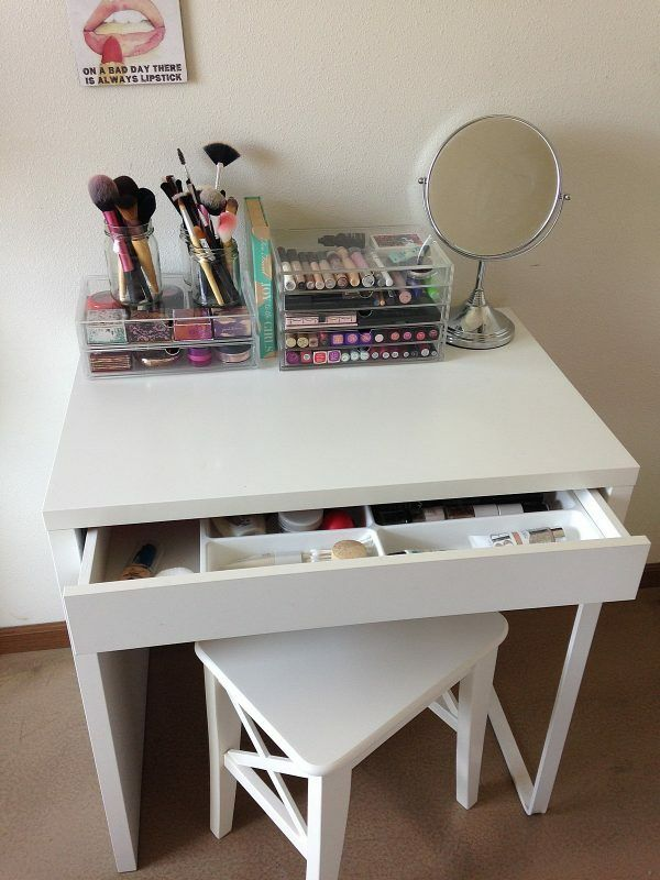 8 Easy Diy Makeup Vanity Ideas You Cannot Miss Balancing Bucks Diy Makeup Vanity Table Small Makeup Vanities Ikea Vanity