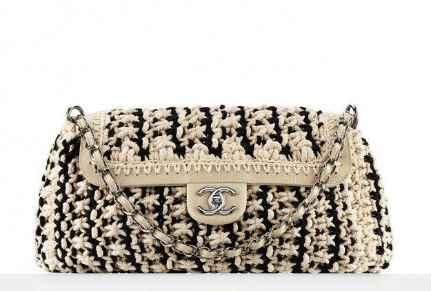 1553b23b01 Borse Chanel dalla 2.55 alle borse pop di Karl Lagerfeld - #crochet #Chanel  #bags #bag