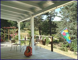Julian Cabin Rentals San Diego Cabins Mountain Lodging Southern California In 2020 Mountain Lodge Cabin Rentals California Honeymoon
