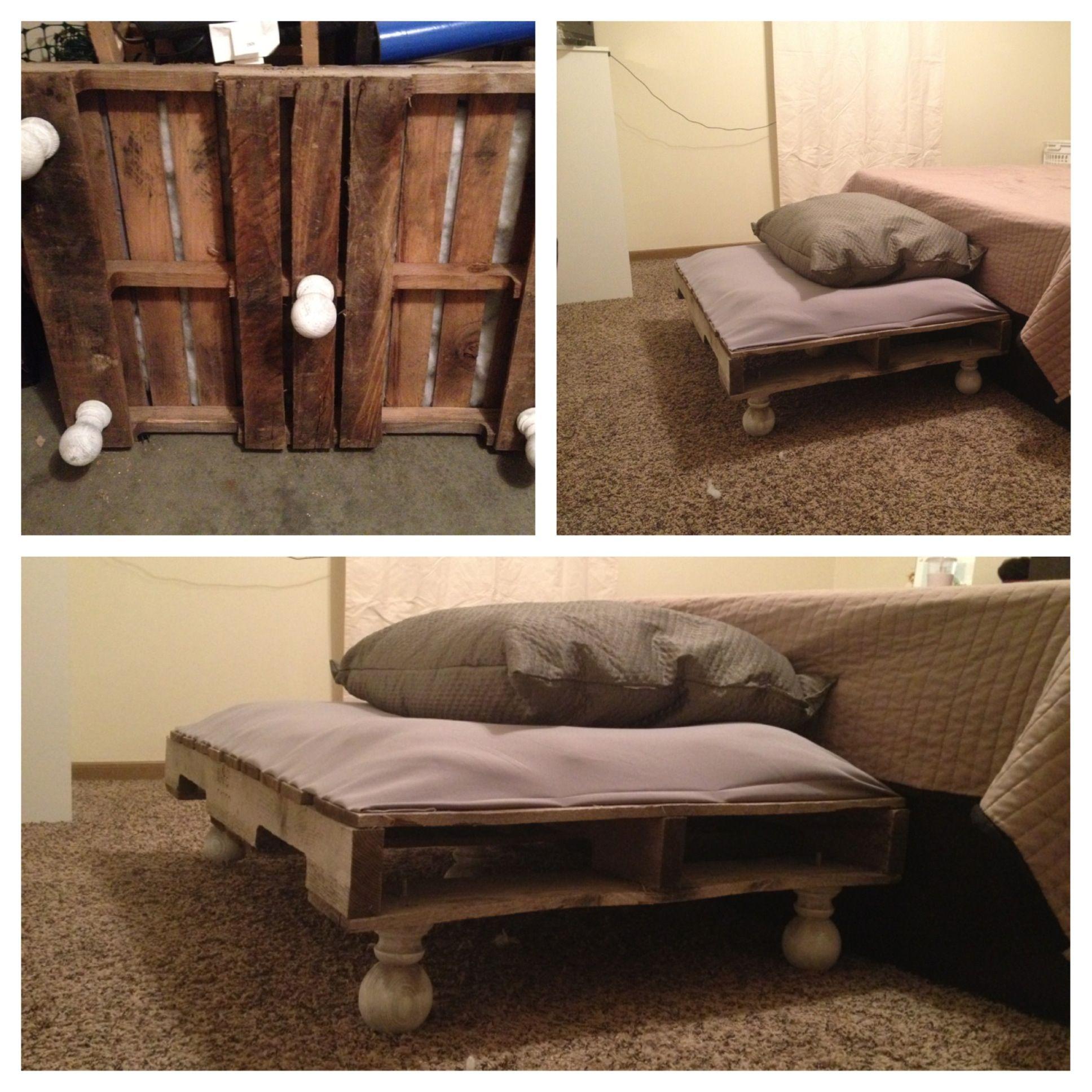 DIY Pet Bed!!! Used A Wood Pallet (lightly Sanded