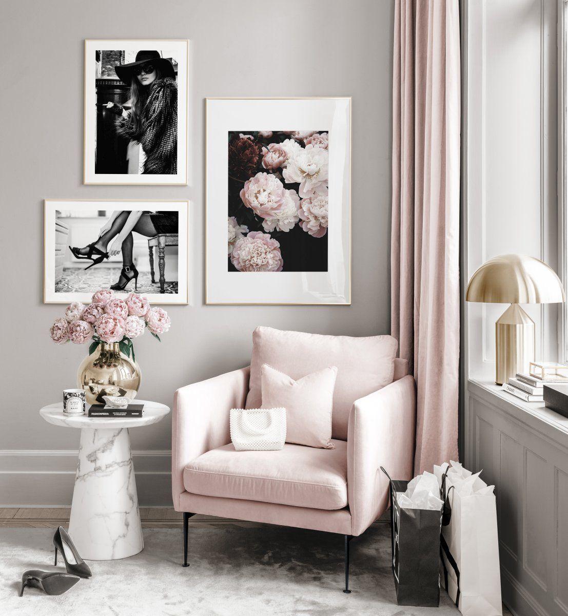 Modische Bilderwand schwarz-weiße Poster Frühlingspfingstrosen Goldrahmen