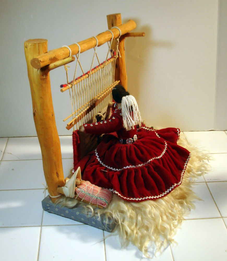Vintage Native American Navajo Indian Weaver Doll With Rug