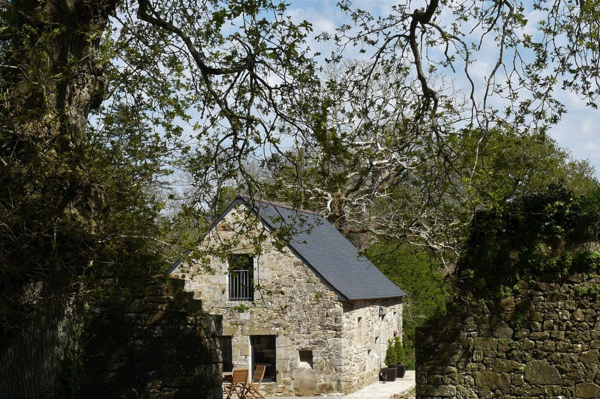Charmant Cottage Ancien Pres De Douarnenez Dans Le Finistere Bretagne Au Manoir De Kerdanet Gite Finistere Gite De France Maison De Vacances