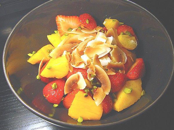 Aromenbombe: Erdbeer-Mango-Fruchtsalat