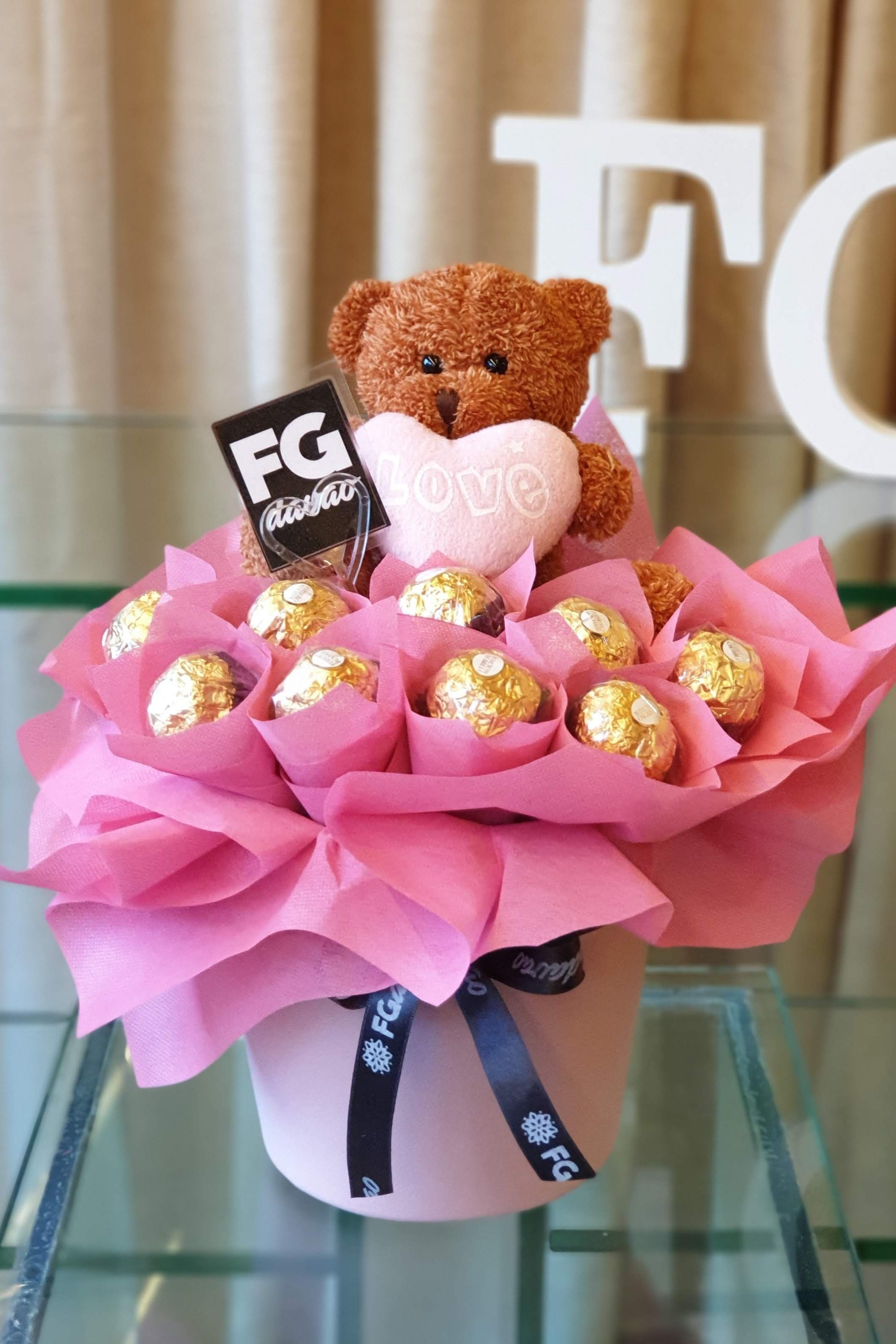 Chocolate Surprise Send Gifts to your