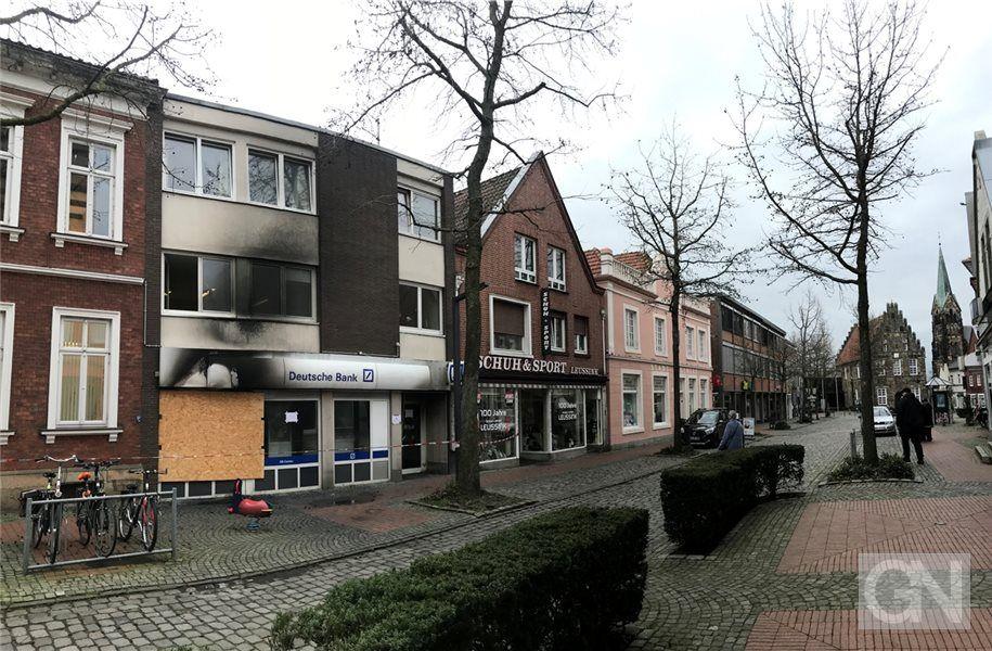 Nach Explosion Kein Deutsche Bank Automat Mehr In Schuttorf In 2020 Schuttorf Style At Home Bank
