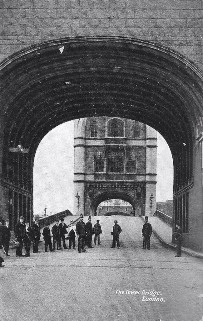 Tower Bridge shown in 1905, a scant 11 years after it was constructed