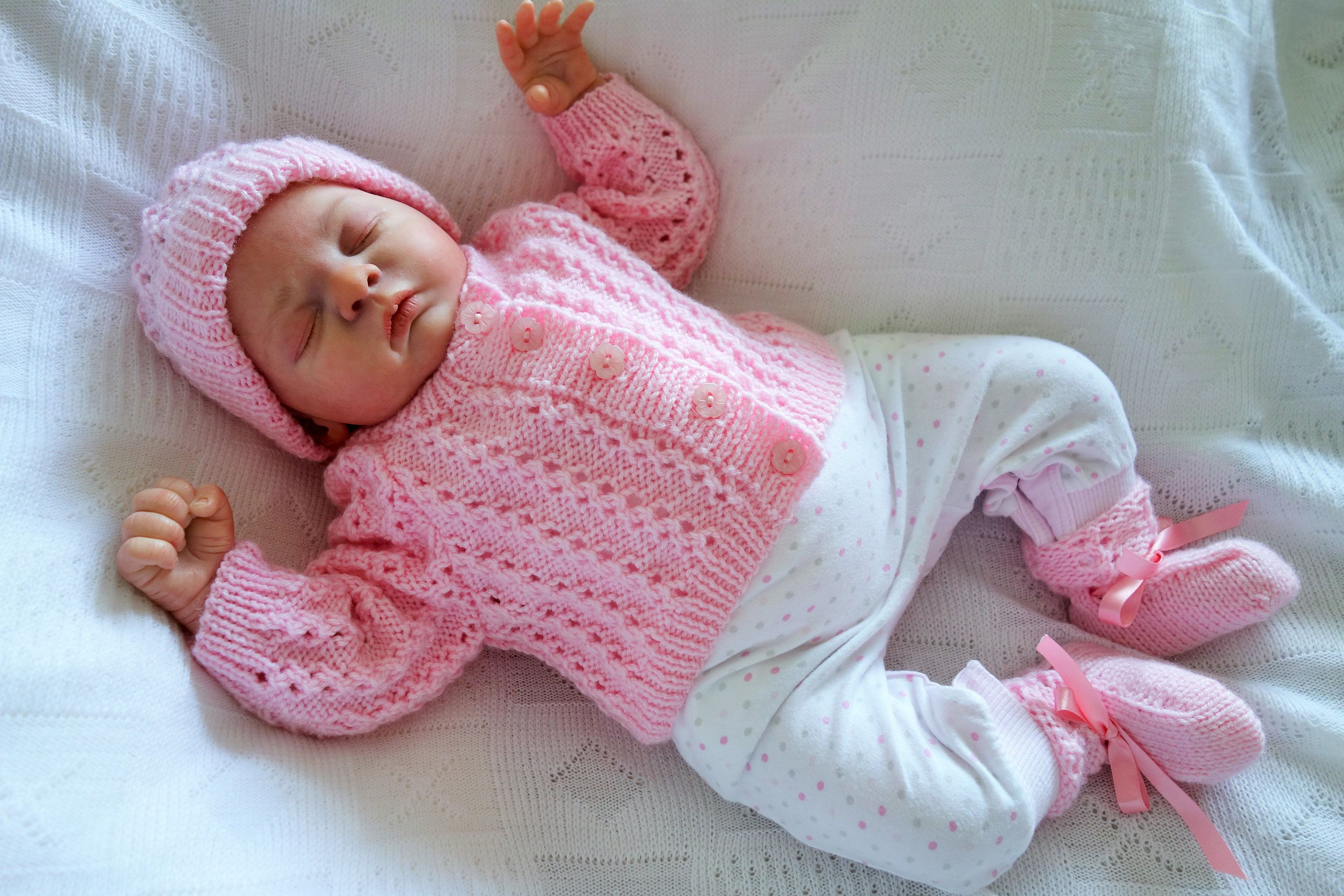 5d328c979814 Hand knitted first size baby girl s cardigan