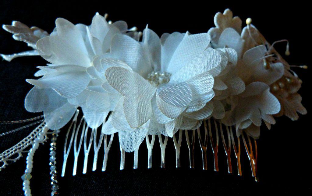 Calendrier de l'Avent J19 Mademoiselle Dentelle : ton headband en dentelle avec Connie Louve