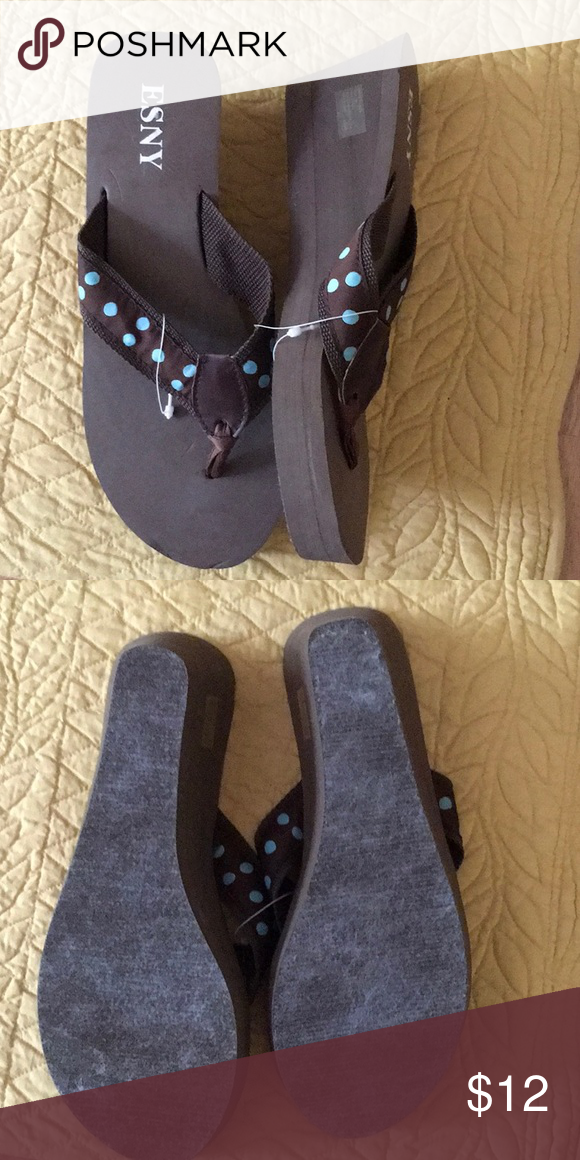 2c236c941de4d ESNY rubber flip flops Dark brown rubber wedge flips. Polka dot fabric  thongs. 052804 ESNY Shoes Sandals