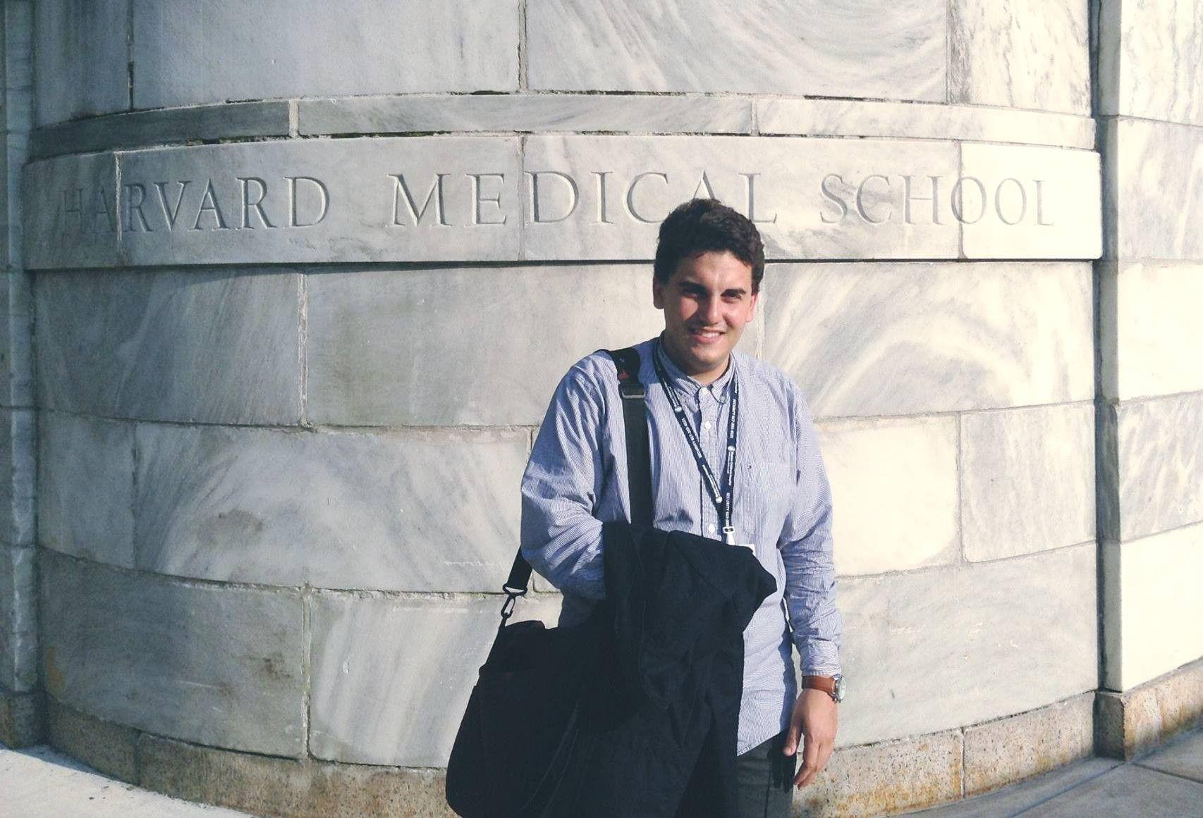Gusthavo Cândido, da Universidade Federal de Uberlândia, foi premiado por…