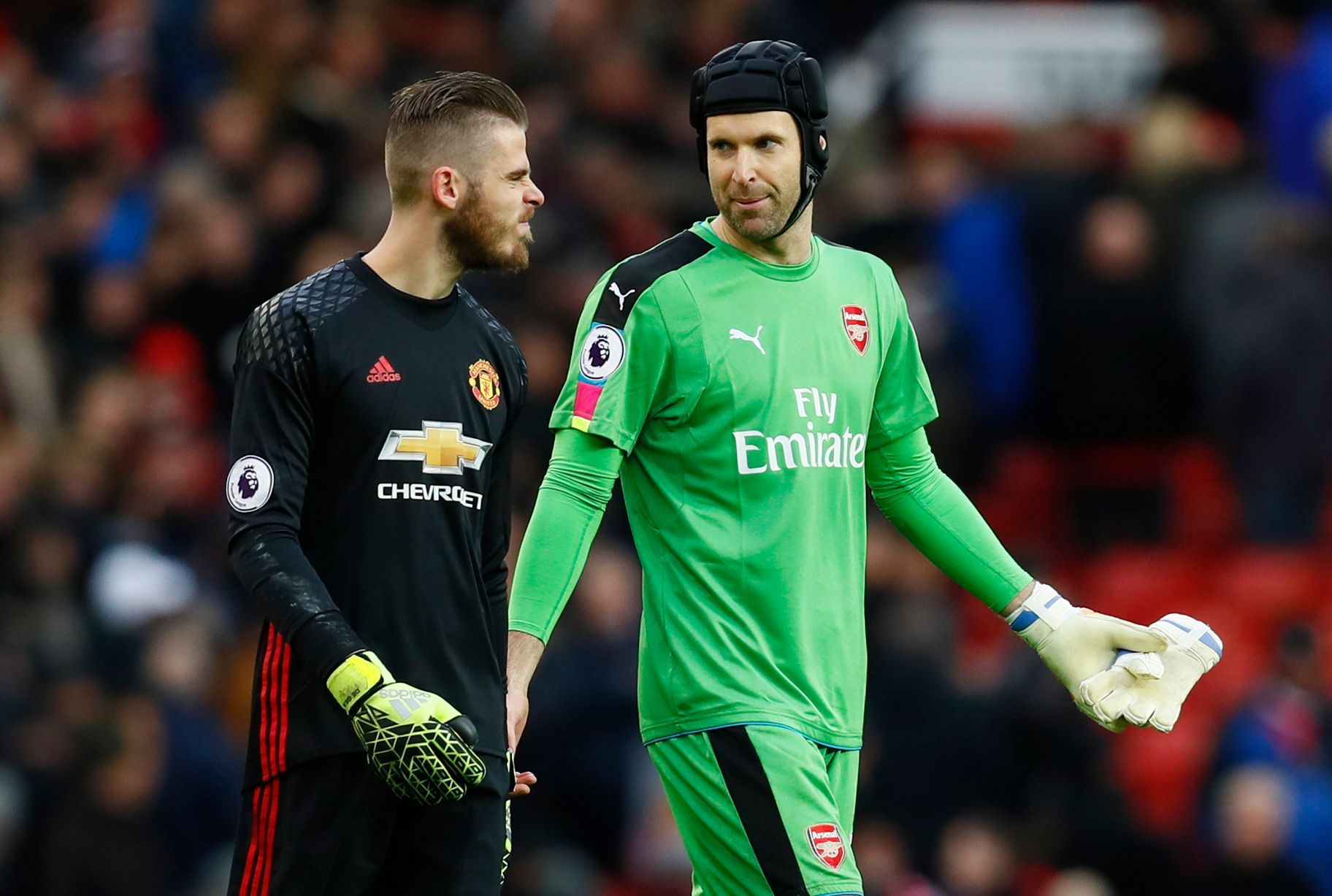 43c3d10ce David De Gea with Petr Cech at the end of the match