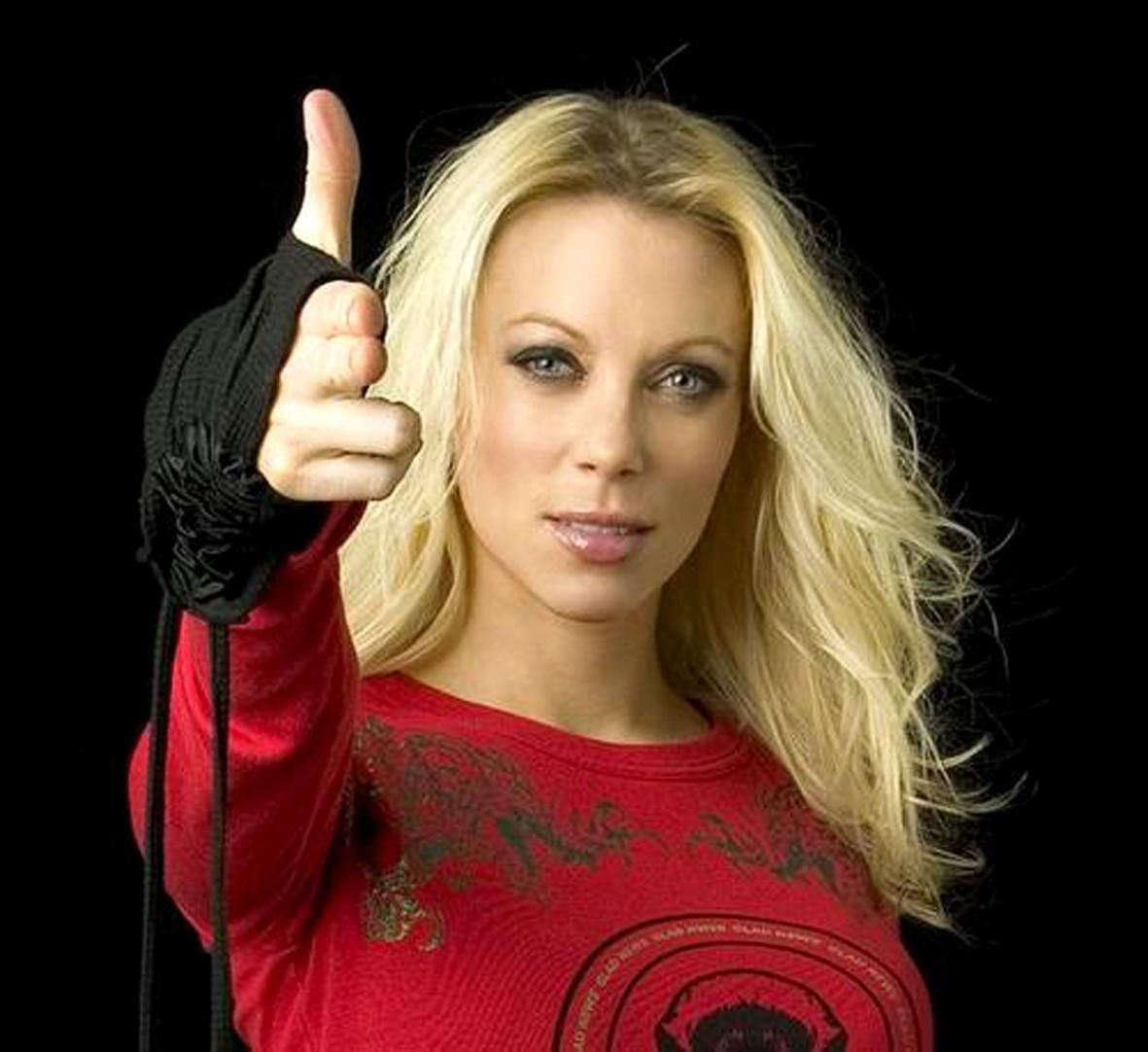 Angela Gossow Lead Singer Arch Enemy With Images Angela