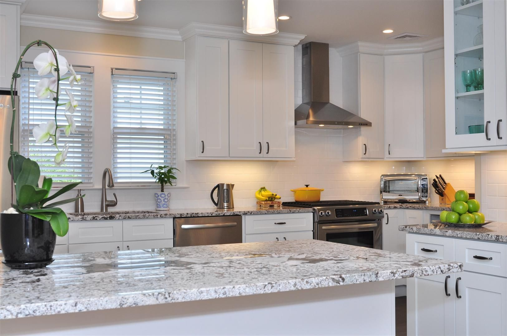 Ice White Shaker Cabinets By Kitchen Cabinet Kings White Shaker Kitchen White Shaker Kitchen Cabinets Kitchen Cabinet Styles