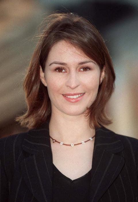 Helen Baxendale adult picture 6