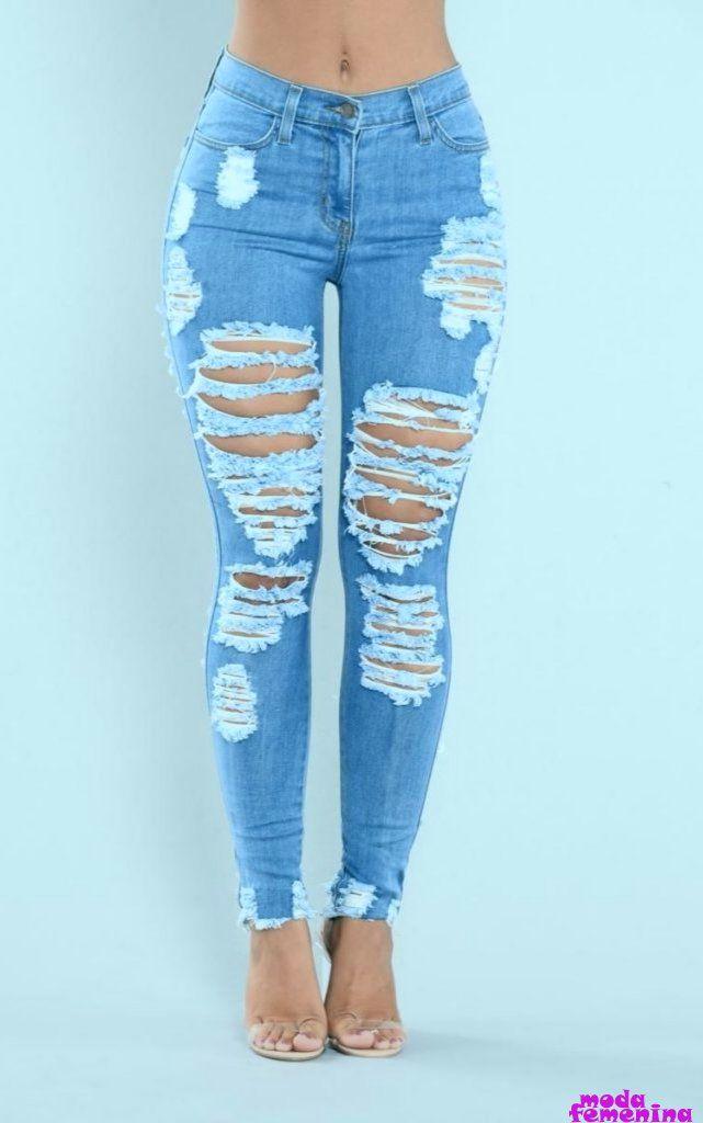 25 Maneras De Usar Tus Jeans Favoritos En 2020 Jeans De Moda Pantalones Rotos Mujer Pantalones De Moda