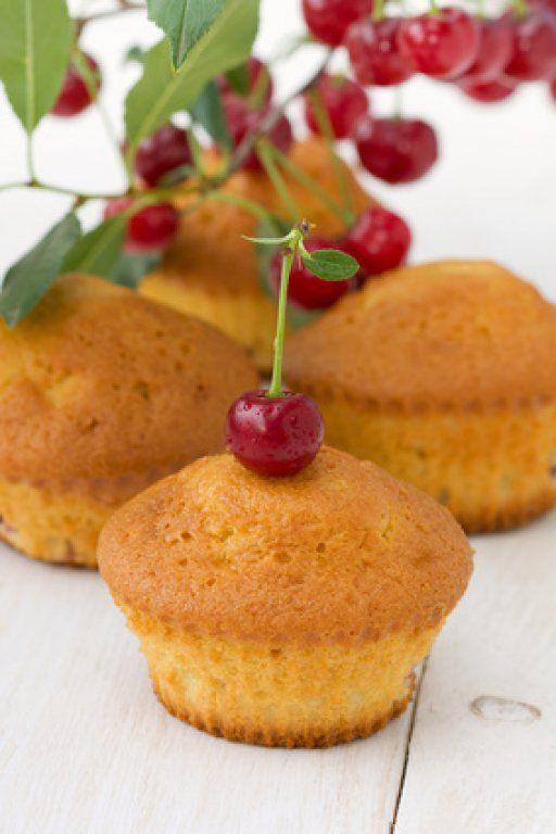Kirsch Muffins sind der Hammer. Mit #Kirschen lassen sicher leckere #Muffins zaubern.
