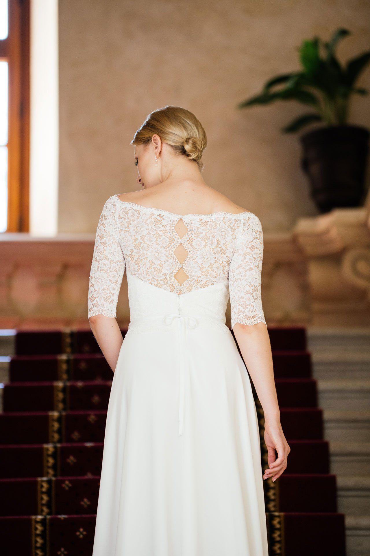 Brautkleid Spitze Ärmel – besonderer Rücken | Hochzeitskleid und ...