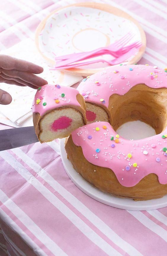 How To Make A Giant Donut Cake in 2020 | Easy cake ...
