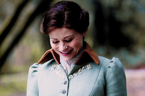 """theouatgifs:  belle french in""""her handsome hero"""" (5x17)"""