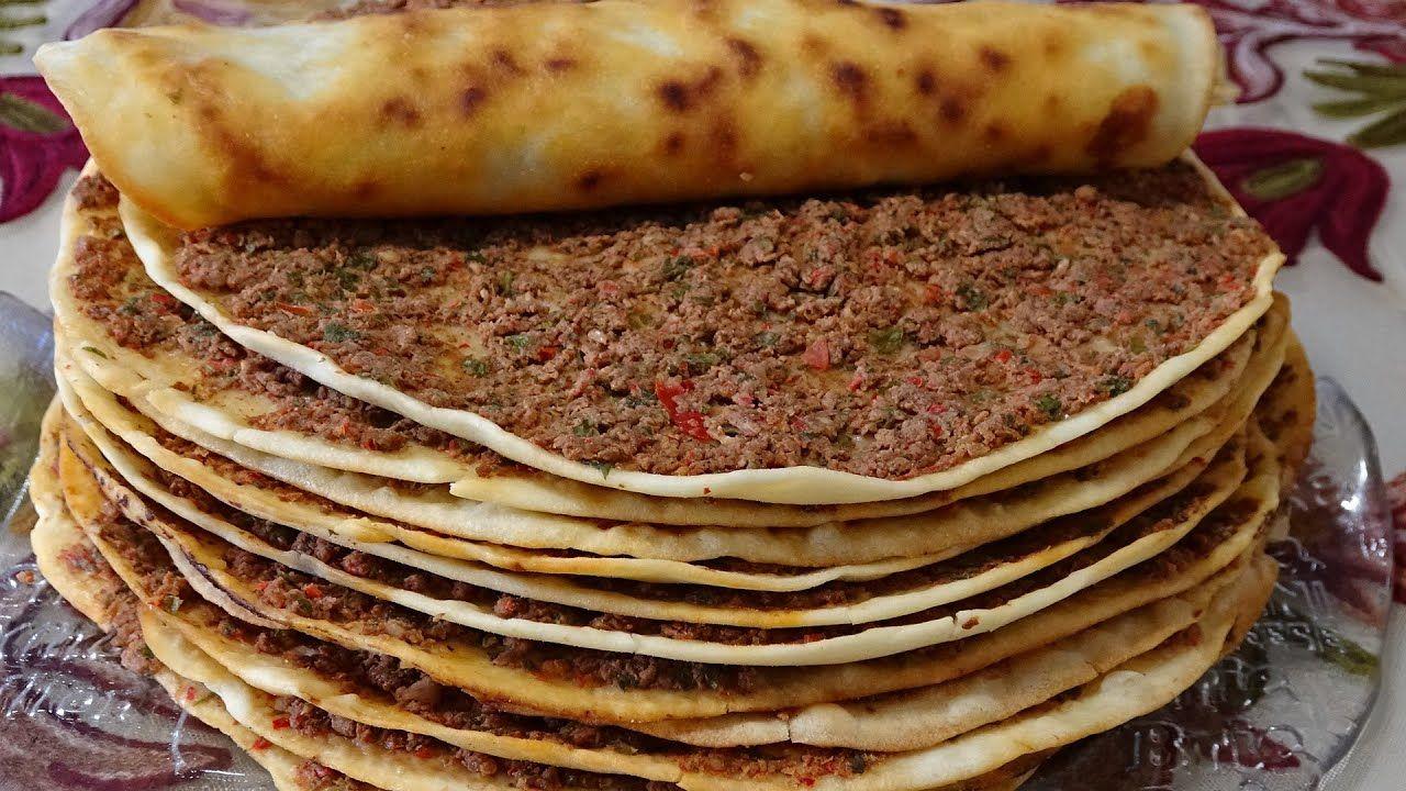 اللحم بعجين التركي بطريقتين بالمقلاة وعلى السخانة بدون فرن سريعة التحضير كتييير طيبة Youtube In 2021 Turkish Recipes Homemade Bread Savory Appetizer