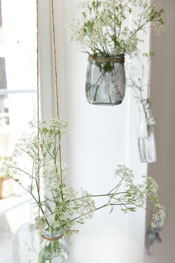 Schon Die Schönsten Ideen Für Deine Fensterdeko #fensterdeko #fensterbankdeko  #fensterbank #decorideas #dekoideen #interiordecor #blumendeko #innendeko  ...