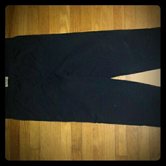 Danskin Capri Leggings Black, rarely worn, excellent condition Danskin Pants Leggings