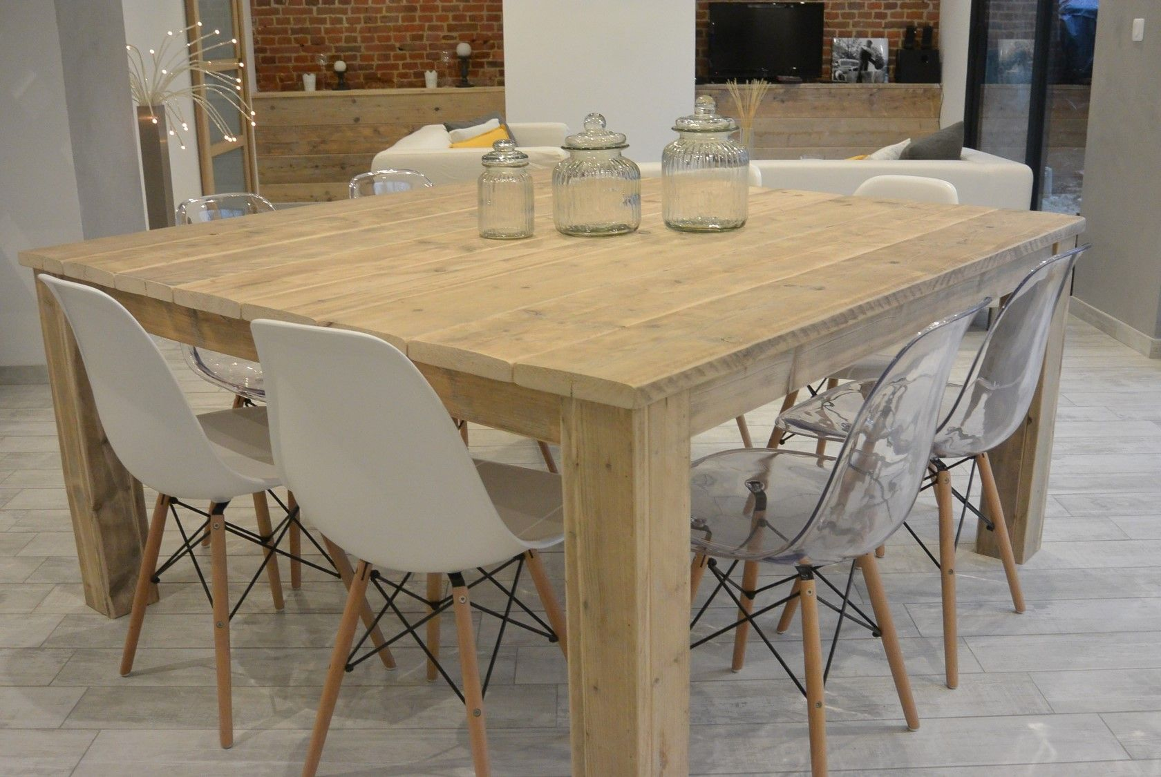 table carree pays bois 160 cm salle