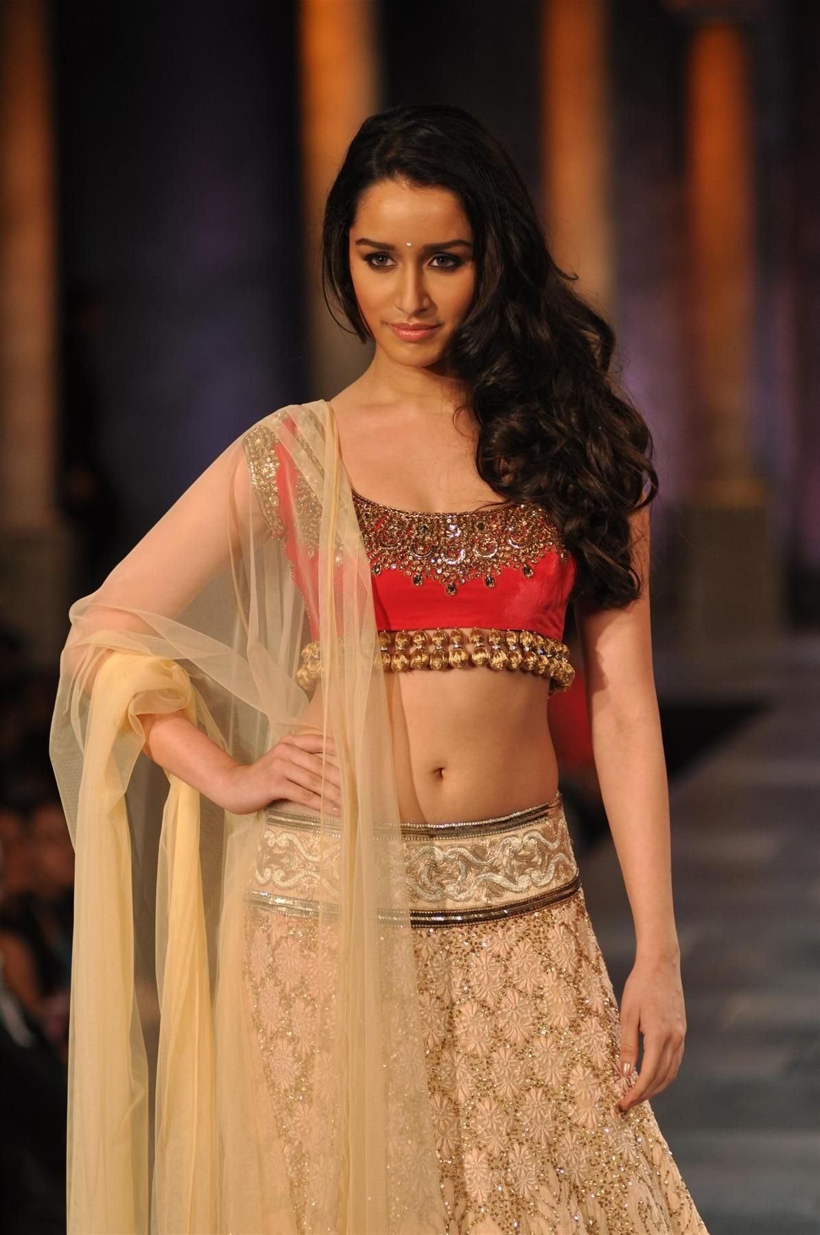 shraddha kapoor hot hd wallpaper from aashiqui 2 movie | celebrity