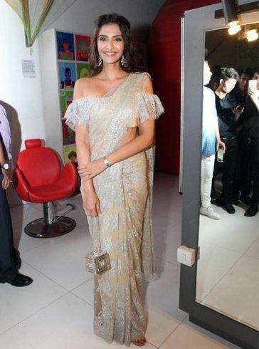 c1a4855cda04e0 Photos: 40 Sonam Kapoor saree styles that prove she is a fashionista |  PINKVILLA