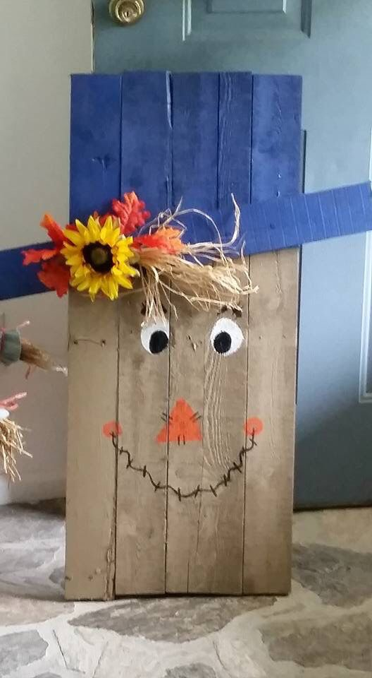 Pallet wood Scarecrow | Wood scarecrow, Fall crafts, Fall ...