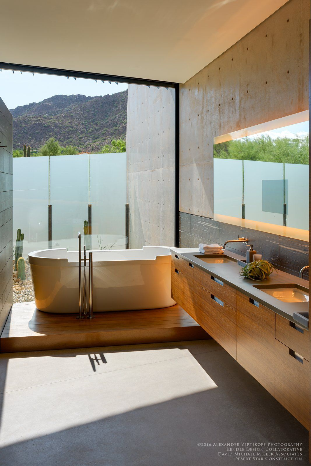 Modern Home With Bath Room Concrete Floor Concrete Counter Freestanding Tub Undermo Top Bathroom Design Interior Design Styles Contemporary Interior Design