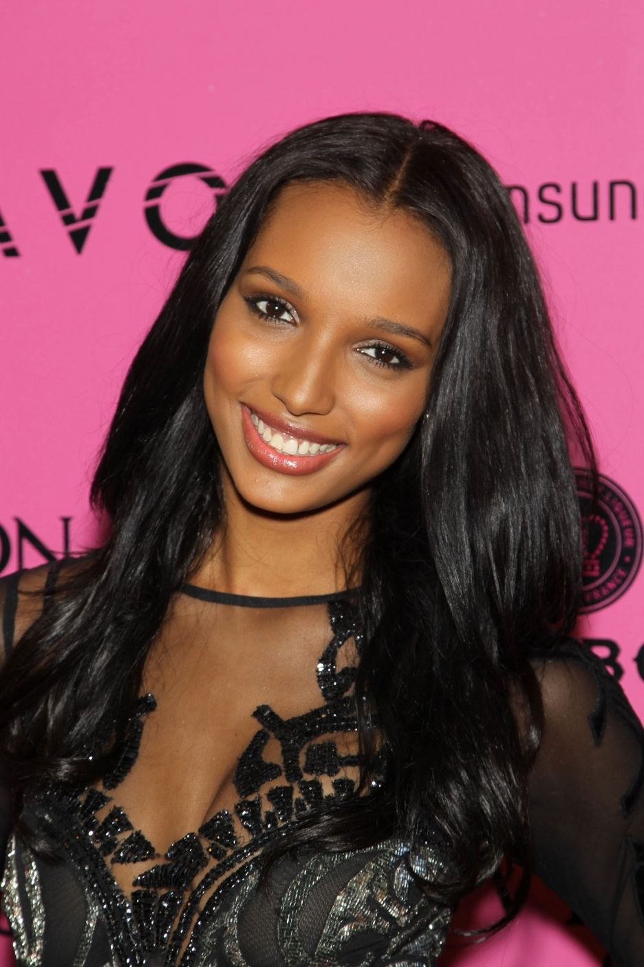 Jasmine Tookes earned a  million dollar salary, leaving the net worth at 0.5 million in 2017