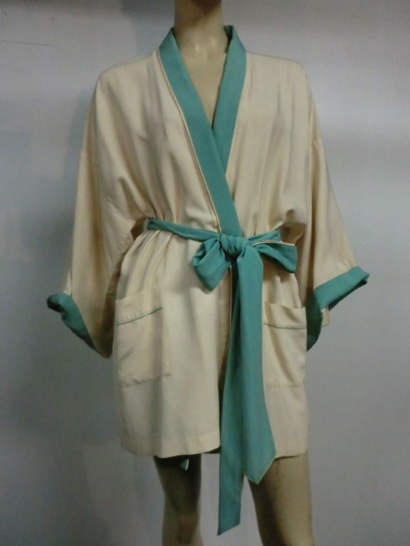 1920s Silk Crepe Two-Tone Bath Robe in Ivory and Mint Green