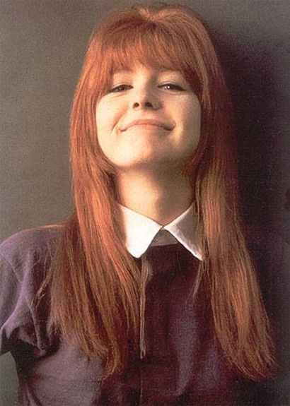 Jane Asher`s bangs and chin layer. She's my favorite redhead