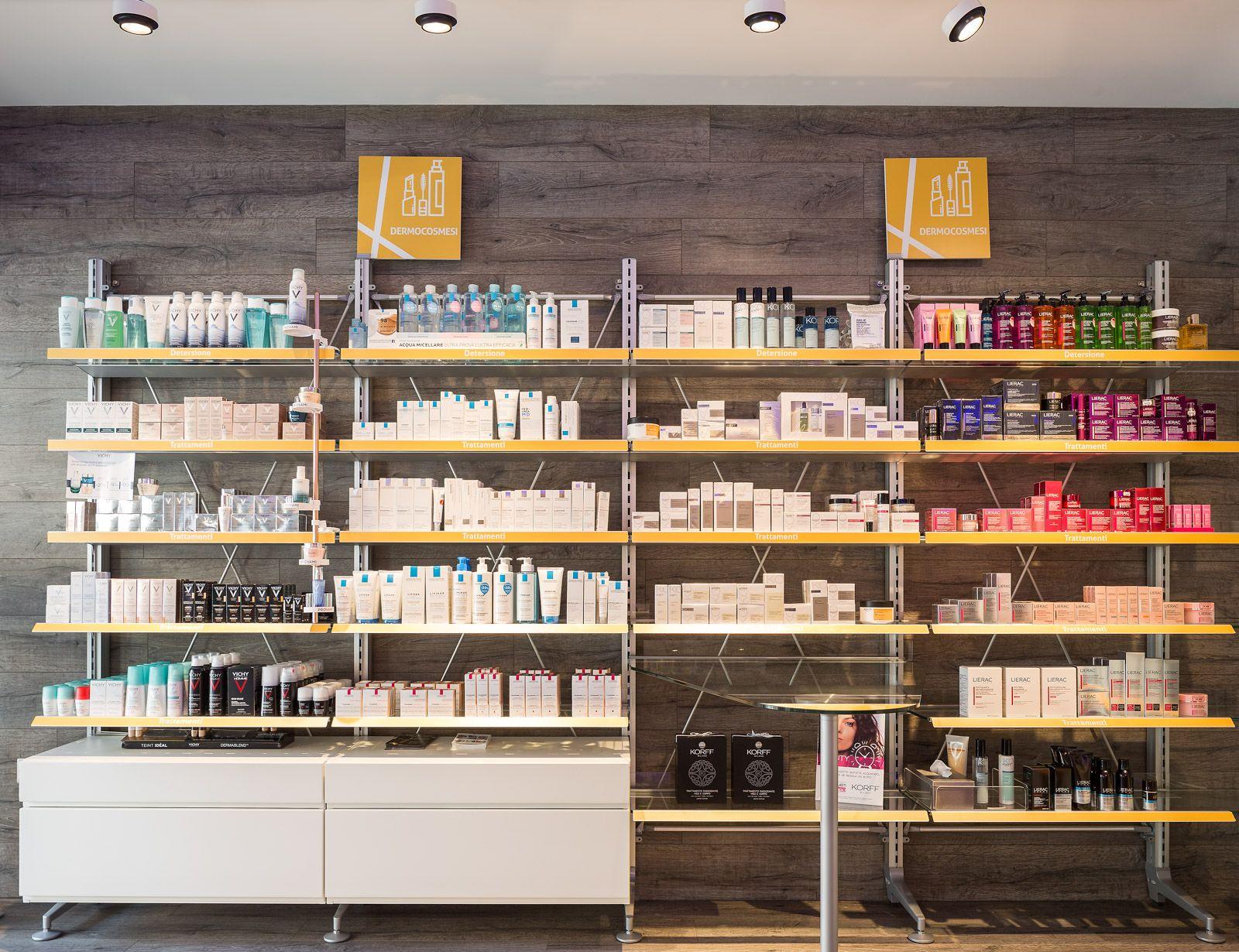 Pharmacy Bocchetti Th Kohl Furnitures In Italy Pinterest  # Kohl Muebles Farmacia
