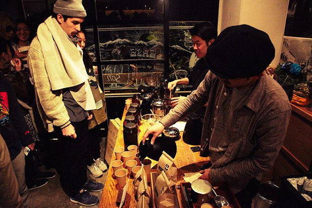 Paddler's Coffee, near Yoyogi Park in the Life Son bakery space (東京都渋谷区代々木4-5-13 レインボービルⅢ1),