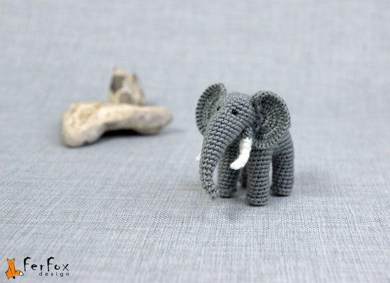 Tiny Paws by Sylwia OOAK Artist Thread Crochet 3