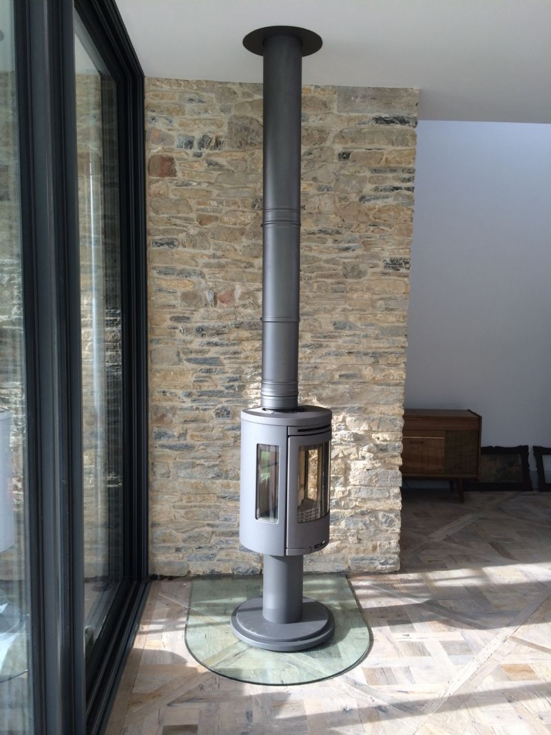 Contura 556 On A Rotating Pedestal Wood Burning Stove Installation From Kernow Fires Stove Installation Wood Burning Stove Corner Wood Burning Stove