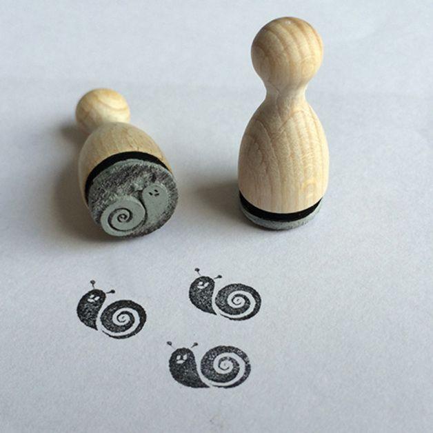 mini stempel motiv retro schnecke unlackierte spielfigur aus buchenholz f r einen. Black Bedroom Furniture Sets. Home Design Ideas