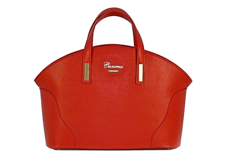 borsa in  pelle Saffiano dotata di manici e  tracolla removibile. Dotata  anche f1779759bb4