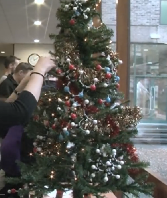 Model Of Christmas Tree: Very Fun Video! A Molecular Model Christmas Tree! As