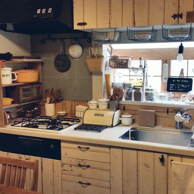 キッチン 棚diy 壁紙屋本舗 輸入壁紙 窓枠風diy などのインテリア