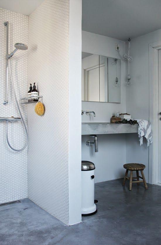 betongulv badeværelse LEI LIVING: Betongulv på badeværelset | Landry room inspiration  betongulv badeværelse