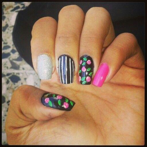 Diseño de uñas de flores #nails #uñas #diseñodeuñas #COSTARICA #flores #flowers