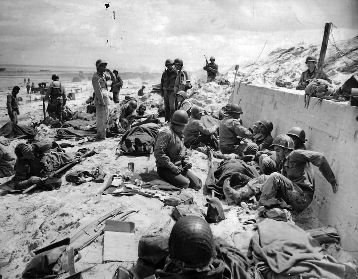 Us Army 4th Infantry Division Troops On Utah Red Beach D