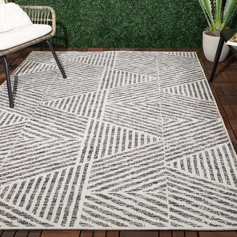 Brylee Geometric Gray Indoor Outdoor Area Rug Outdoor Area Rugs Outdoor Rugs Patio Modern Outdoor Rugs