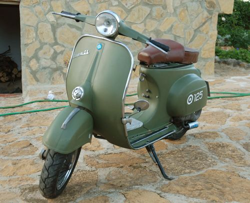 vespa 125 vespa vespa oldtimer motorroller und vespa. Black Bedroom Furniture Sets. Home Design Ideas